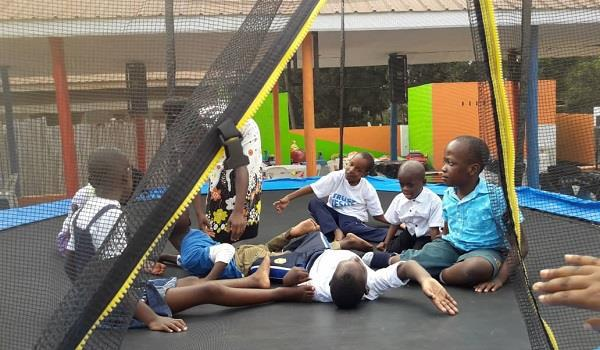 Volontariato Uganda bambini disabili