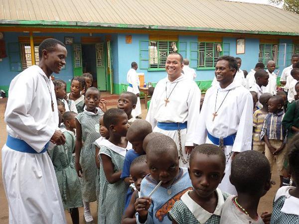 Volontariato Uganda missionari comunità